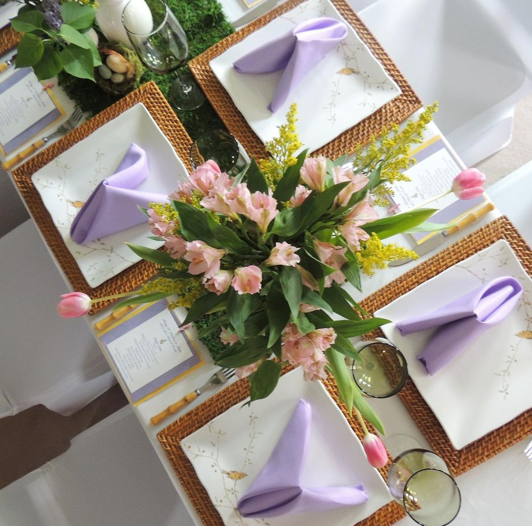 Tablescape Inspiration for Your Outdoor Dining this Summer